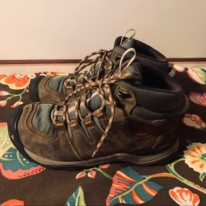 Men's Keen Boots Size 10 Extremely Clean